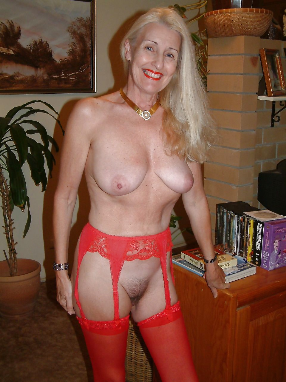 fantastic matures: horny grannies in stockings 03
