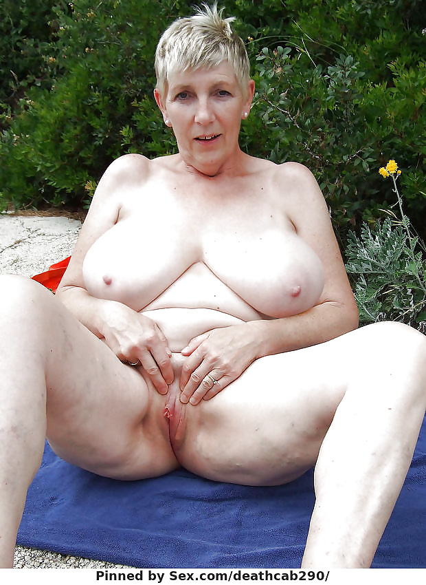 пожилая учительница с висячими с огромными сосками фото