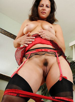 MATURE AND GRANNIES 67
