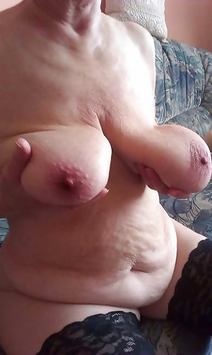 Mature with big floppy tits!!