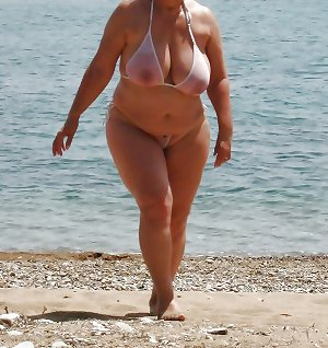 BBW matures and grannies at the beach 113