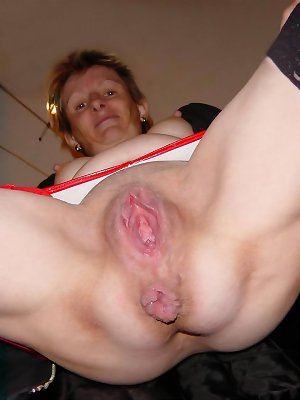 Mom's loose pussy #2